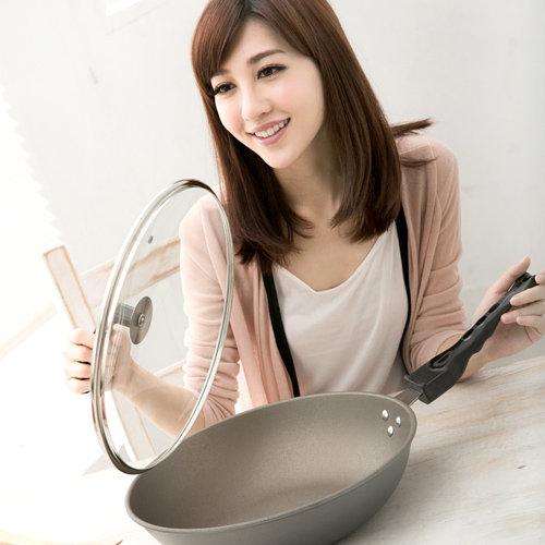 【清水】星鑽奈米陶瓷不沾平炒鍋玻璃蓋33CM (MF0238A)